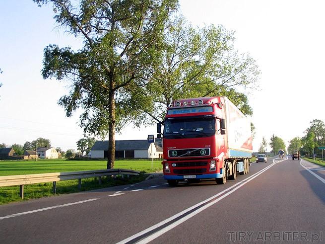 Volvo FH12 Czerwone  Nowe Reflektory Soczewkowe  Oznaczenie L3